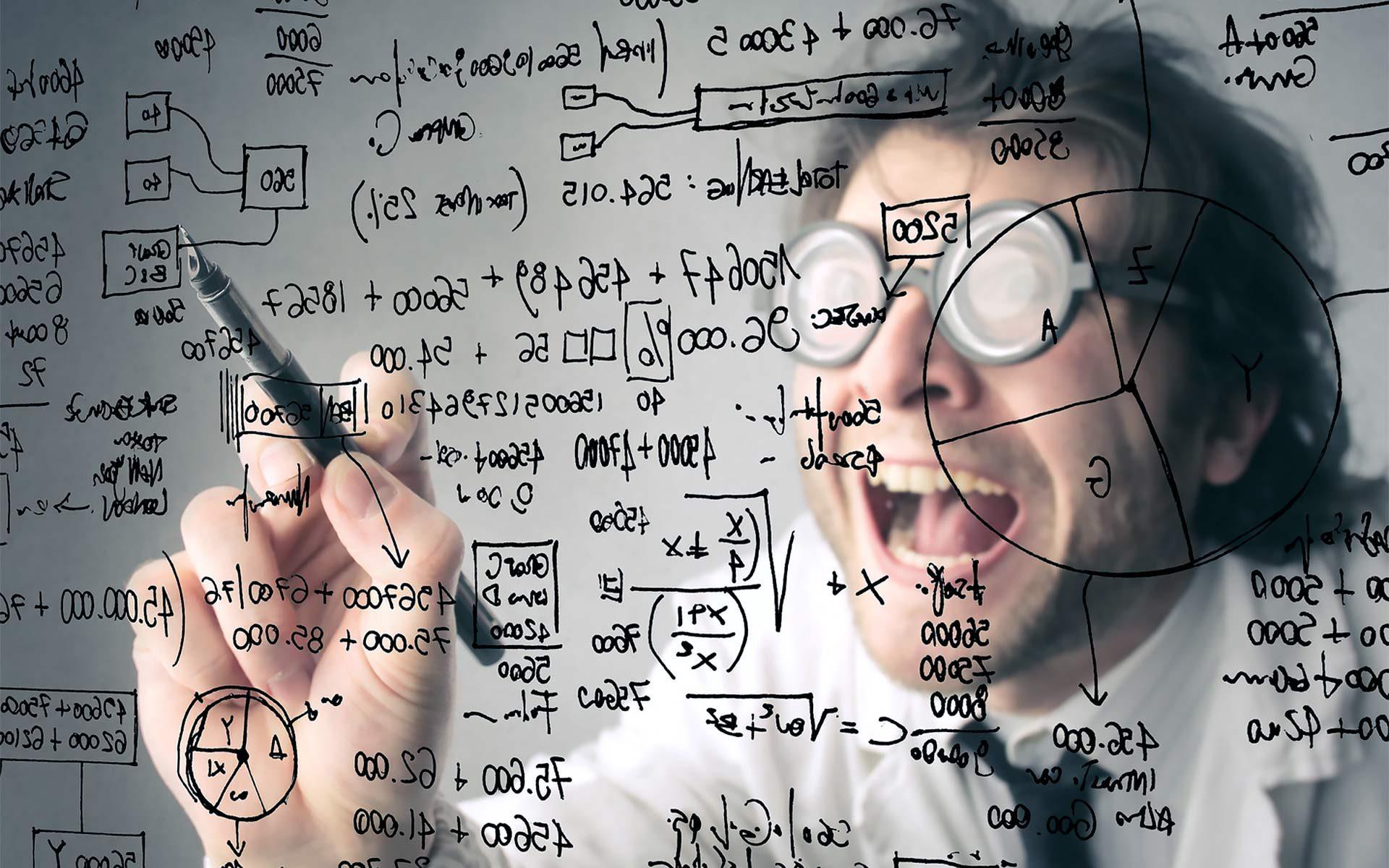 Ученый пишет формулы
